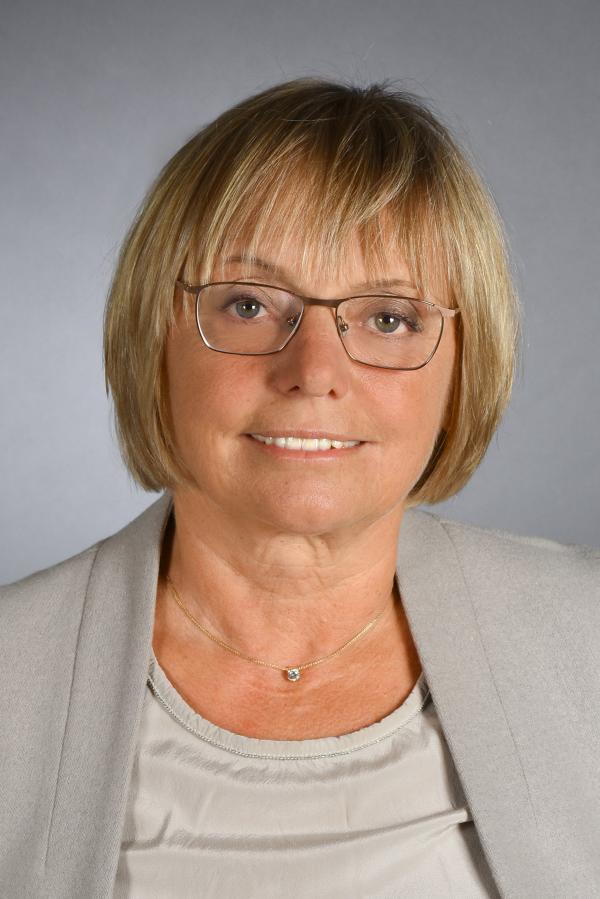 Angela Schabel